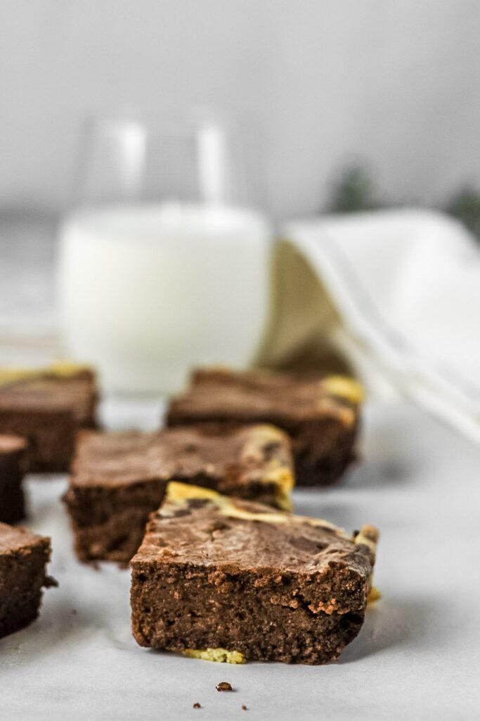 moresweetthansalty.com-keto-cream-cheese-swirl-brownie-chocolate-fudge-ice-cream