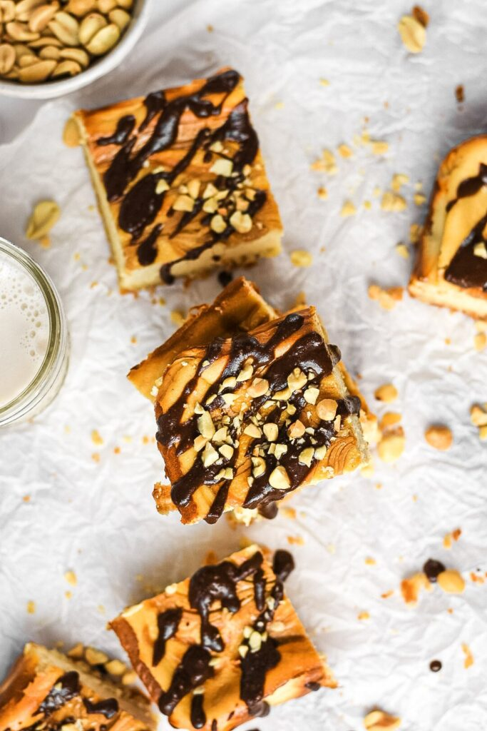moresweetthansaly.com-keto -cheesecake-squares-peanut-butter-squares-creamy-chocolate-drizzel